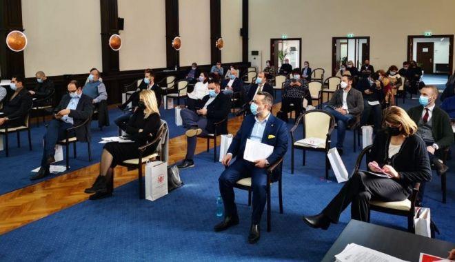 Aleşii locali, convocaţi în şedinţă ordinară. Ce proiecte se află pe ordinea de zi - fondsedintaacl2-1618753373.jpg