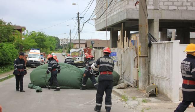 Primăvara sinucigașilor! Pompierii au alergat cu salteaua  la 23 de cazuri - fondsinucideri-1432915615.jpg