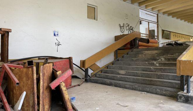 Teatrul de Vară din Mamaia, îngropat! Planurile de reabilitare, abandonate de Consiliul Judeţean Constanţa - fondteatruldevara4-1622656107.jpg
