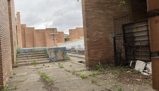 Teatrul de Vară din Mamaia, îngropat! Planurile de reabilitare, abandonate de Consiliul Judeţean Constanţa - fondteatruldevara7-1622656144.jpg