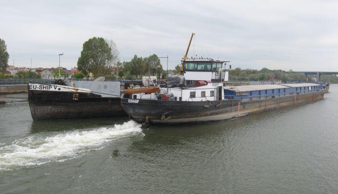 Traficul de mărfuri pe canalele navigabile Dunăre - Marea Neagră și Poarta Albă - Năvodari a făcut un salt de aproape 12% - fondtraficuldemarfuripecanalelen-1634138546.jpg