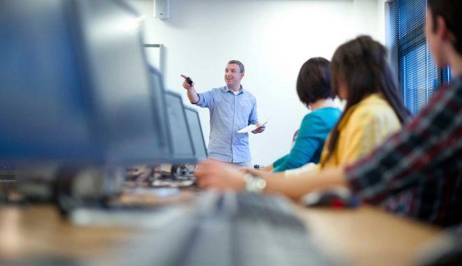 Alte 142 programe de formare profesională vor începe în luna octombrie - formareprofesionala-1632402990.jpg