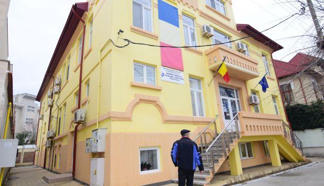 Foto: Activitate blocată la ISJ Constanța. Șapte inspectori din echipa lui Miu și-au dat demisia