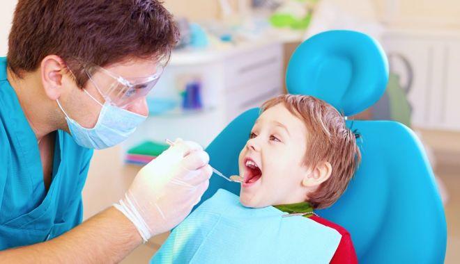Foto: Cabinetele stomatologice, saloanele, frizeriile și muzeele se redeschid, la 15 mai