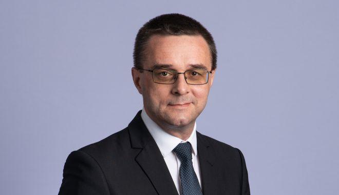 """Inspectorul general, prof. Sorin Mihai: """"Toţi elevii vor fi dotaţi cu tablete pentru lecţiile online"""" - fotofondprintsorinmihai2-1605206296.jpg"""