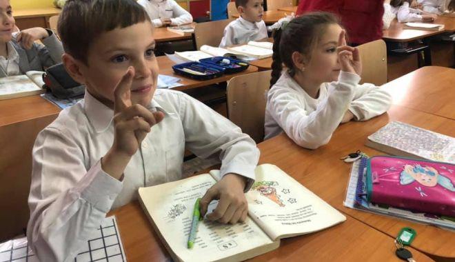 Foto: Vă pregătiți de școală? Reguli noi la înscrierea la clasa pregătitoare