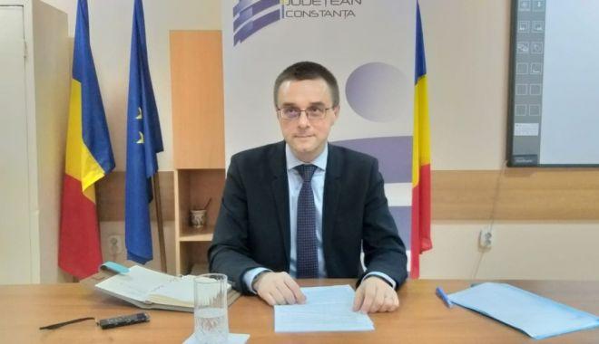 """Conflicte în cancelaria Liceului """"George Călinescu"""". Ce spune inspectorul general Sorin Mihai - fotoprintfondconflicteincancelar-1602606625.jpg"""