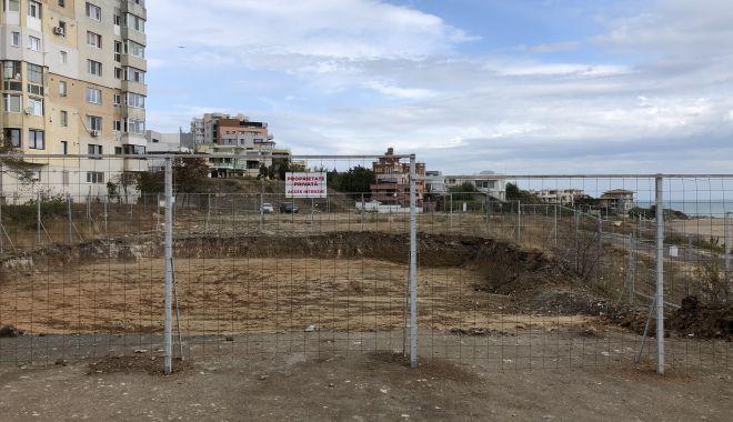 Construcţie fantomă, pe malul mării, în Faleză Nord - fotoprintfondconstructiefantoma5-1602178914.jpg