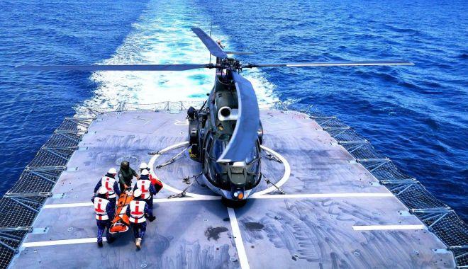 """Foto: Fregata """"Regina Maria"""", exercițiu complex în Marea Neagră"""