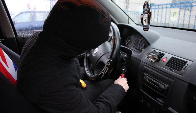 Razie în miez de noapte, pentru prevenirea furturilor din autoturisme - furturiauto-1622828473.jpg