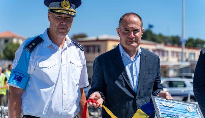 Vizită importantă la bordul navei Gărzii de Coastă, aflată în misiune în Grecia - gardavizita1sursapolitiadefronti-1595873011.jpg