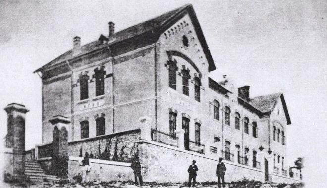 Restaurarea ansamblului Cotovu de la Hârşova avansează încet, dar sigur - harsova1-1615312298.jpg