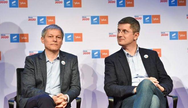 Război rece în interiorul USR PLUS. Dacian Cioloș și Dan Barna vor să fie dublu-președinți de partid - image20190582312949641dacianciol-1614962625.jpg