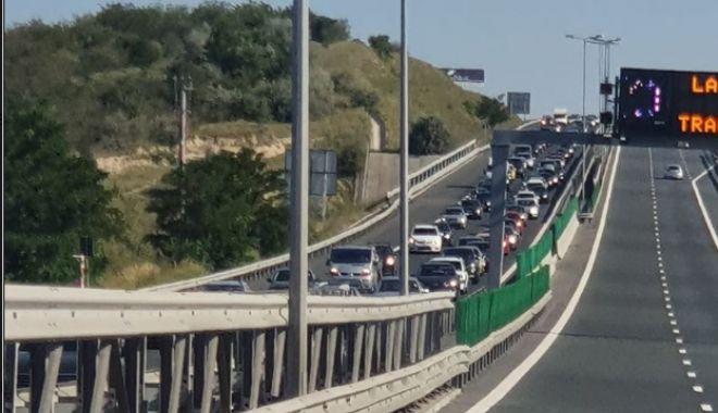 Se circulă BARĂ la BARĂ pe Autostrada A2! - image201908112330966041coloanema-1621081939.jpg