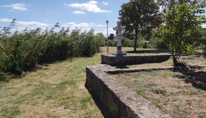Dezastrul din Parcul Tăbăcărie: de la iarba uscată, la monumente distruse! - img20210909120328-1631553538.jpg
