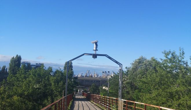 Încep lucrările de reparații la pasarela pietonală de la Poarta 2 a portului Constanța - inceplucrariledereparatiilapasar-1624470422.jpg