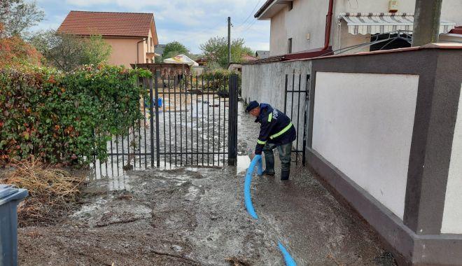 Inundaţii în judeţul Constanţa. Intervin pompierii - inundatii-1603785263.jpg