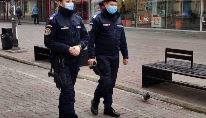Jandarmii la pas, prin pieţe: peste 330 de sancţiuni - jandarmii-1613979724.jpg