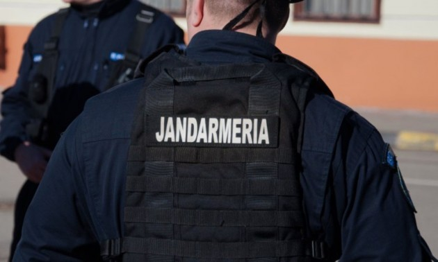 Alertă cu bombă la un hotel din Iași - jandarmimpuscatincap-1615035315.jpg