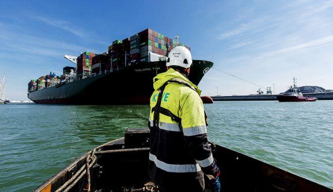 Criză umanitară teribilă pe mările și oceanele lumii. Sute de mii de navigatori, prizonieri la bordul navelor - jos-1612109124.jpg