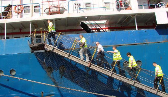 Salariile marinarilor de pe navele cu pavilion de complezență cresc de la 1 ianuarie 2022 - jos-1631456230.jpg