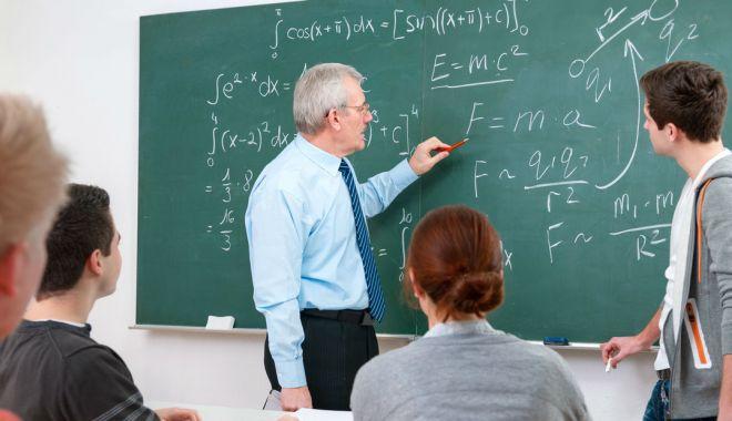 Gata cu numirile preferenţiale! Ministrul Educaţiei anunţă concursuri pentru posturile de directori de şcoli - jos2-1615227597.jpg
