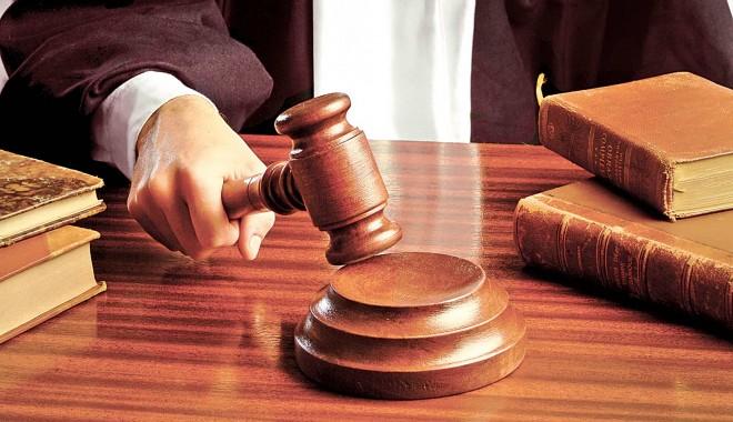 11 constănțeni, trimiși în judecată în dosarul referendumului - judecator-1364301322.jpg
