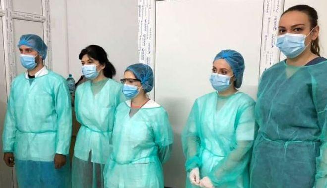 Foto: Laborator de biologie moleculară, la Spitalul Județean. Două aparate de testare, donate de grupul de firme Histria