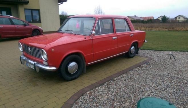GALERIE FOTO. LADA 1200, amintire din EPOCA DE AUR. Unde mai găsim asemenea mașină și la ce prețuri - lada5-1494421026.jpg