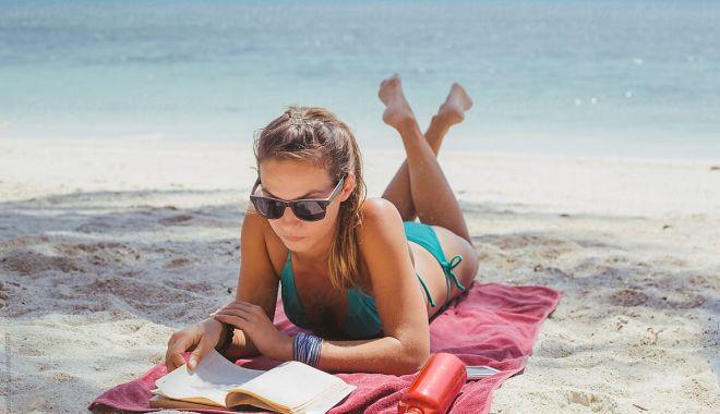 """Lansare de carte pe plaja """"Neversea Beach"""" - lansaredecarte1-1626887233.jpg"""