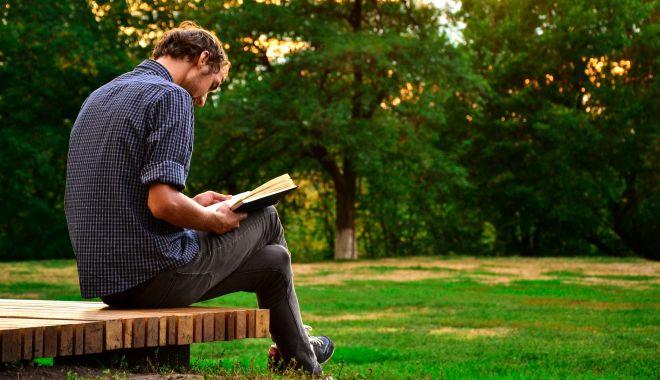 """Carte de septembrie: """"Nu asculţi. Ce îţi scapă şi de ce contează"""" - lectura-1631814444.jpg"""