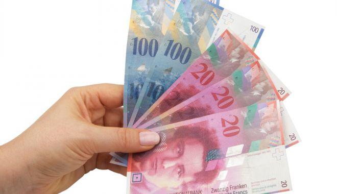 Francul e mai puternic cu 0,05% în confruntarea cu leul - leufrancelvetian-1610559823.jpg