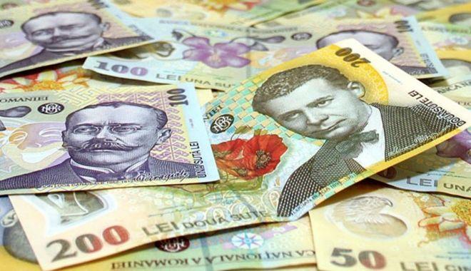 Leul mușcă din euro și dolar, dar pierde la franc elvețian - leul-1599743699.jpg