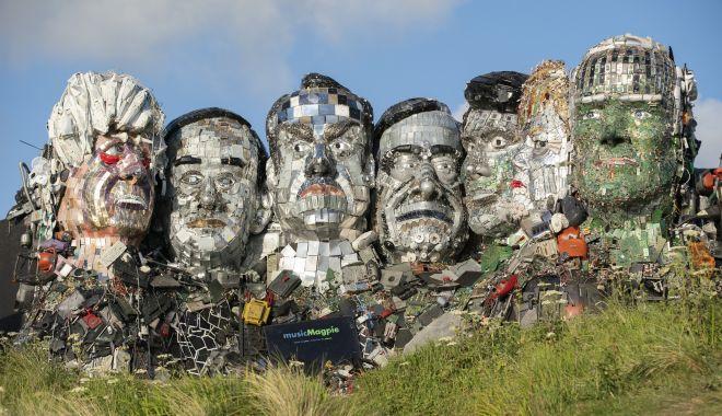 Liderii G7, făcuţi din deşeuri electronice - lideriig71-1623327981.jpg