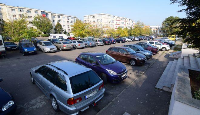 Câte locuri libere mai sunt în parcările de lângă blocuri, în Constanța - locuriparcare-1620833827.jpg
