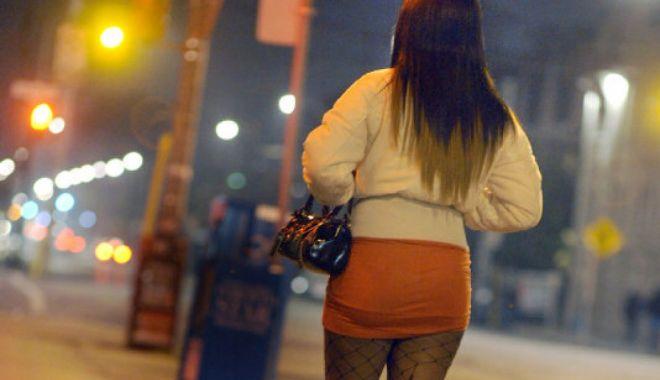 Foto: Zeci de românce, prostituate de lux în Londra! Percheziții și în Constanța