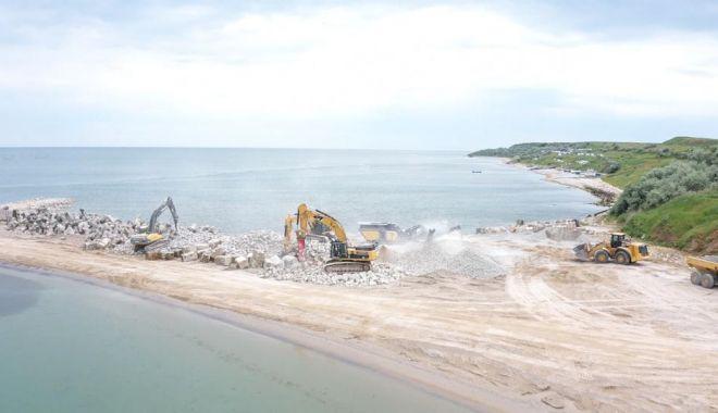 GALERIE FOTO. Au început lucrările de stopare a eroziunii costiere, la Eforie - lucrari1-1622793548.jpg