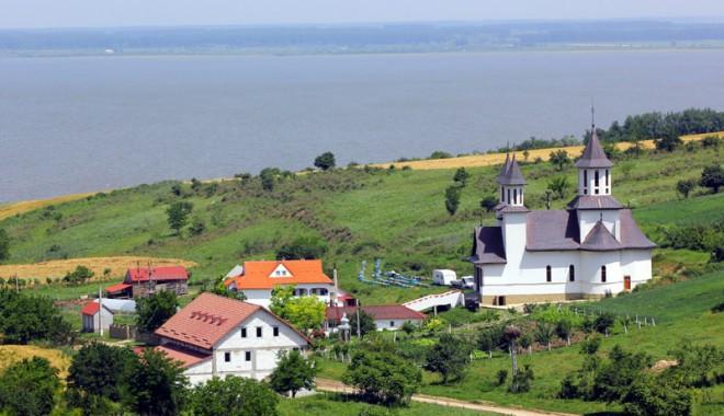 Foto: Mănăstirea Strunga, locul unde pelerinii pot medita în liniște