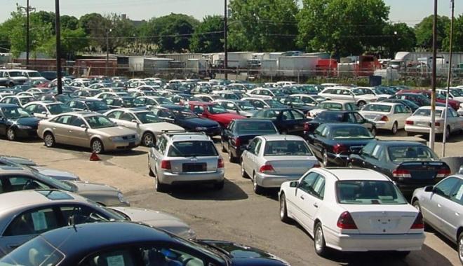 Foto: Reguli noi propuse pentru mașinile second-hand. Comerțul cu mașini aduse din străinătate, interzis persoanelor fizice
