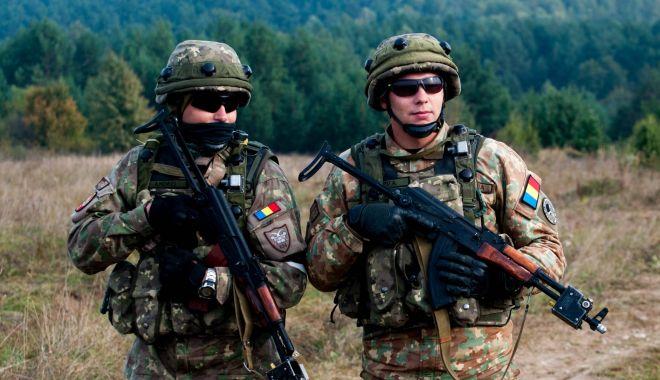 Foto: Militari români, alături de specialiști SRI. Iată misiunea
