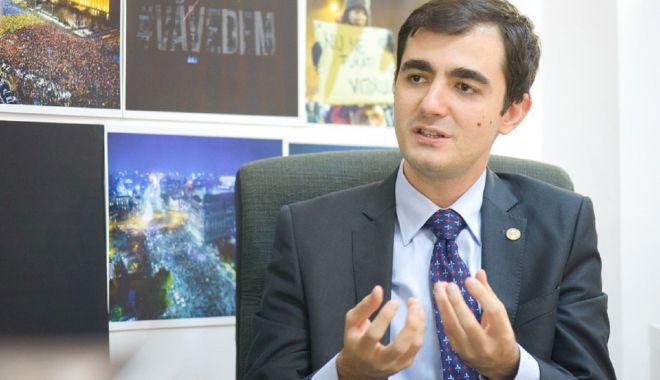 Transparență totală. Ministrul Economiei, Claudiu Năsui, a publicat toate contractele cu statul - ministrul-1613640983.jpg