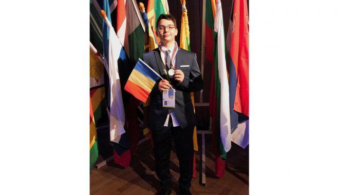 Mircist admis la Harvard. Darius Gabriel Mardaru, palmares bogat la olimpiade - mircist12-1619026218.jpg