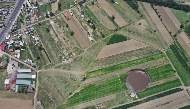 CNN - Misterul craterului gigantic apărut peste noapte în Mexic - misterulcraterului2-1622743808.jpg