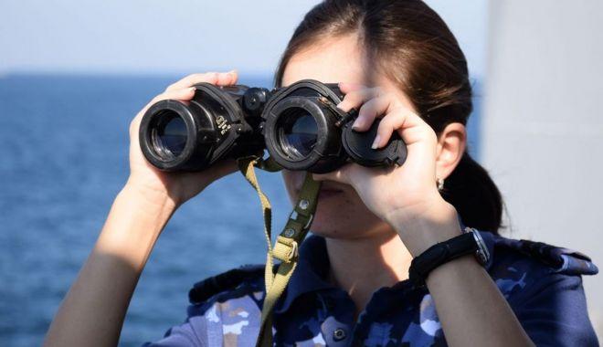 """Foto: În căutarea minelor! Nava hidrografică """"Al. Cătuneanu"""" a acostat în portul Nara"""