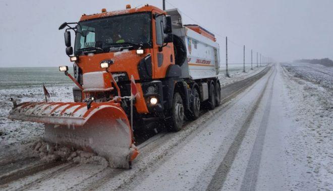 A nins în județul Constanța: s-a intervenit cu utilaje și material antiderapant - ninsoare-1610619532.jpg