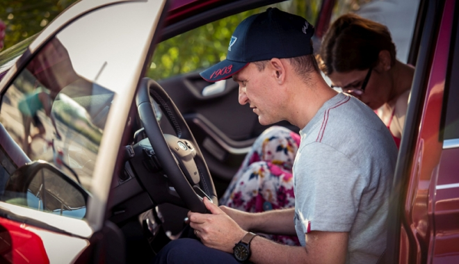 Surprize pentru fanii Ford. Noul Fiesta este disponibil la Țiriac Auto - noisurprize3-1500212952.jpg