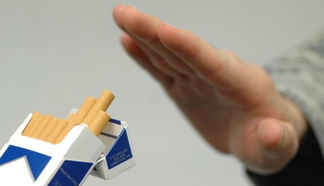Jumătate din fumători nu reușesc să renunțe la acest viciu - nurenuntalafumat-1369578547.jpg