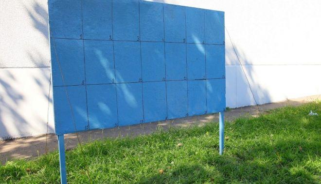 Foto: Administrația locală a montat panourile electorale în Constanța