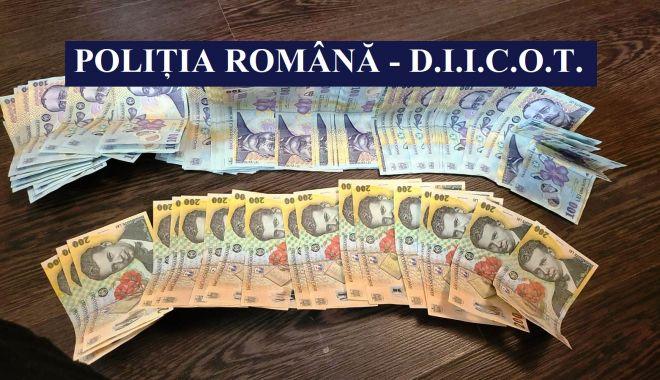 VIDEO şi FOTO. 44 de percheziţii, la Constanţa, într-un dosar de proxenetism, spălare a banilor, şantaj şi cămătărie - perchezitii1-1624010744.jpg