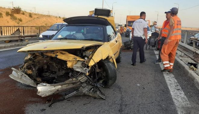 Foto: Accident pe Autostrada Soarelui.